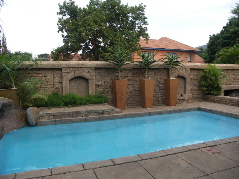 Swimming pools paving for Swimming pool paving pictures
